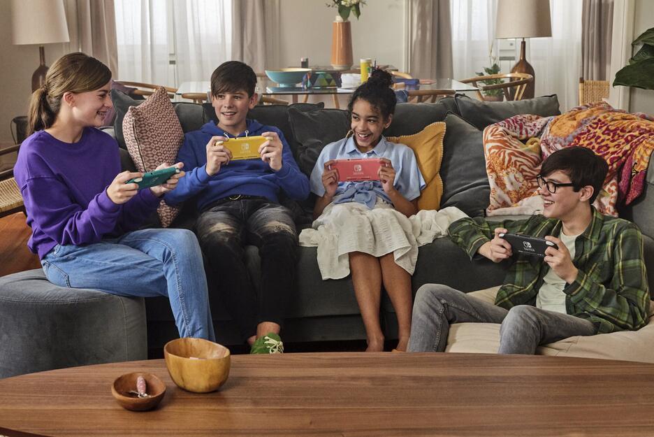 Nintendo Switch Lite - Corallo